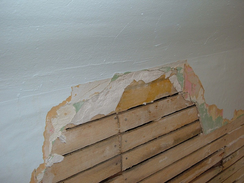 diy plastering how to re plaster a wall. Black Bedroom Furniture Sets. Home Design Ideas