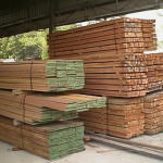 biuying-timber-at-yard_thumb.png